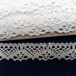 Krajka paličkovaná 100% bavlna š.25mm 10m/bal.