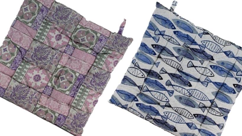 Sedáky 40x40cm potah režná 100%bavlna, výplň bavlněná střiž